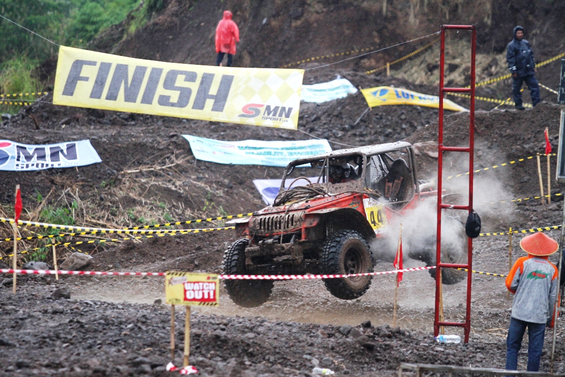 GT Radial Savero Komodo Indonesia Xtreme 4x4 Team 2014 National Championship Seri I